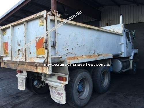 International S2670 Tipper-3