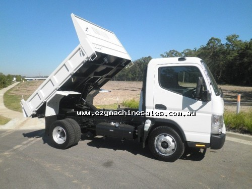 Fuso Canter 715 Wide Tipper-2
