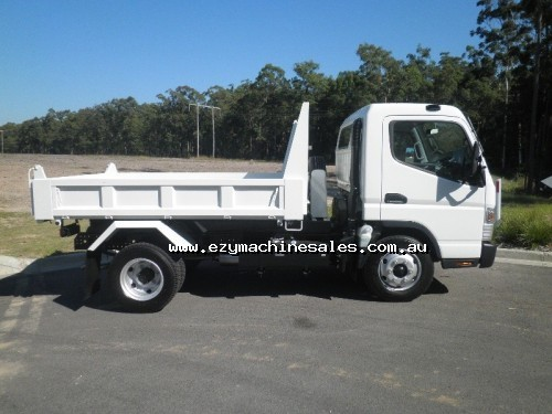 Fuso Canter 715 Wide Tipper-4